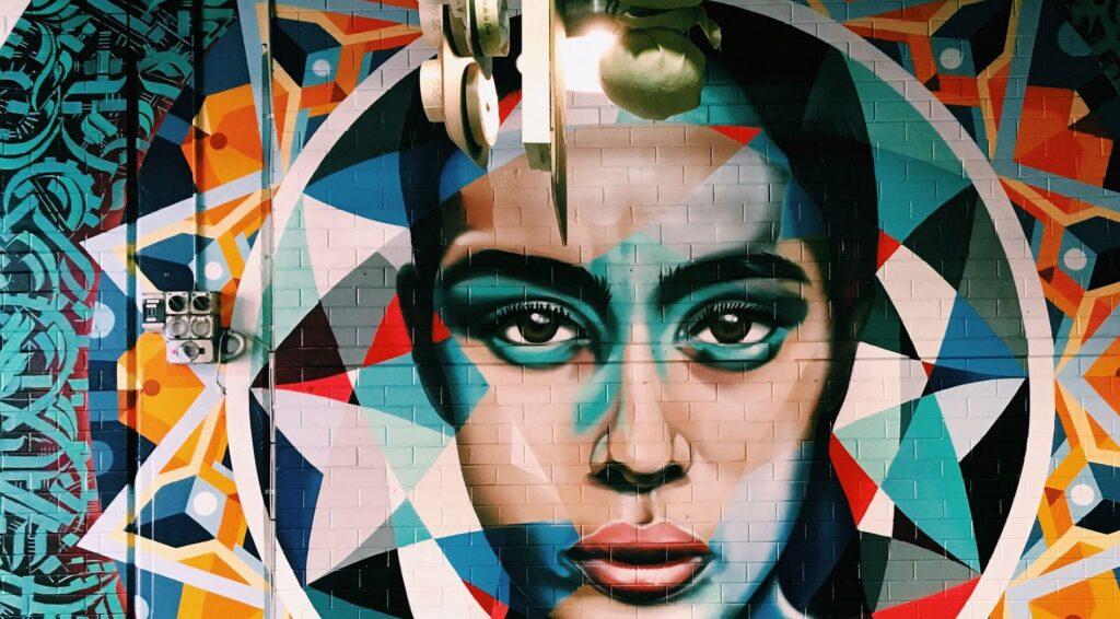 A falon látható festmény