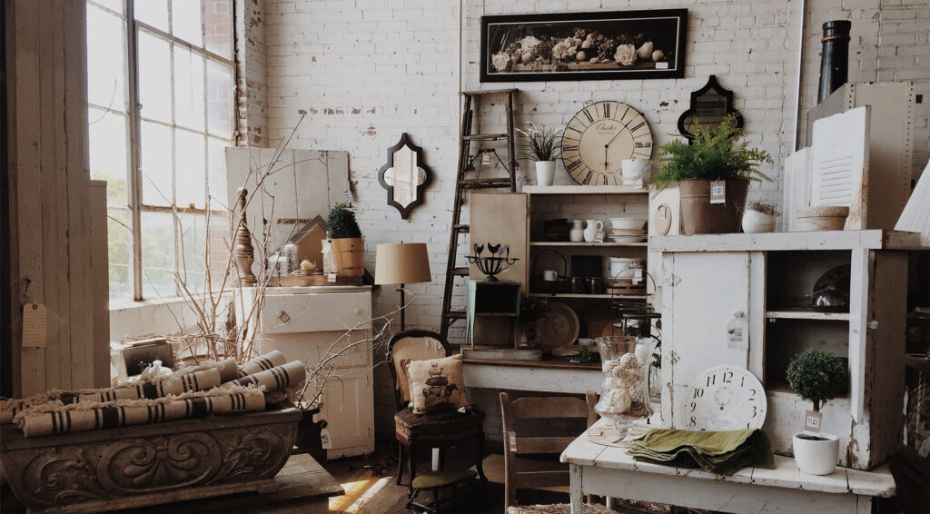 vintage bútorok és kiegészítők a nappaliban