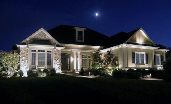 ház falának megvilágítása