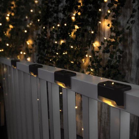 kerítés vegyes világítással
